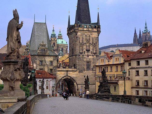 Prága - autóbuszos utazás 1éj szállással, reggelivel, idegenvezetéssel (1 fő) / április 17-19.