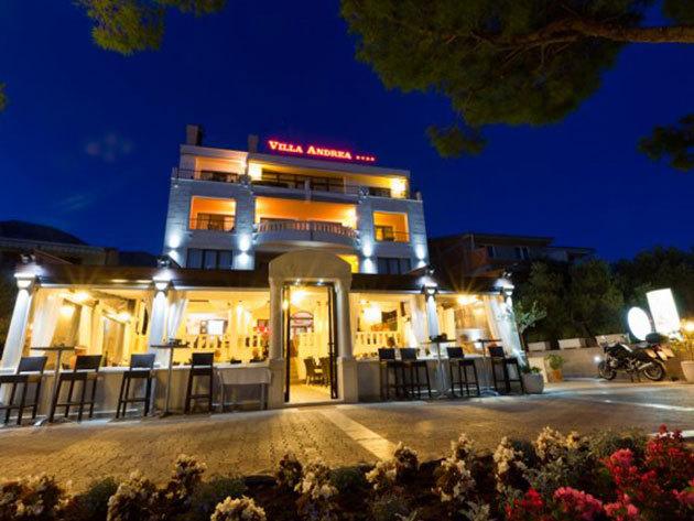 Hotel Villa Andrea**** - 3 nap/2 éjszaka 2 főnek + 1 gyermek (12 év alatt) / reggeli + extrák