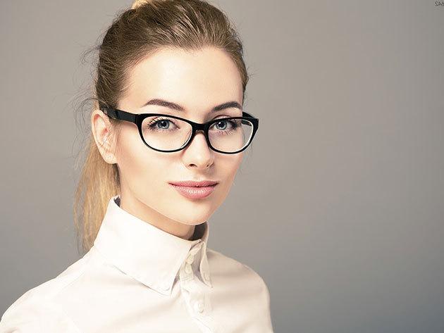 Komplett beltéri progresszív munkaszemüveg FreeForm technológiával a Brillistől