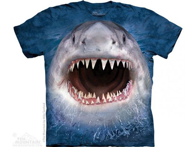 KIÁRUSÍTÁS!!! The Mountain, Wicked Nasty Shark felnőtt rövid ujjú 3D amerikai póló - L-es méret (10_3955l)