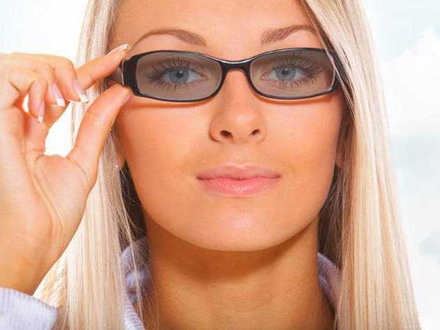 Transitions V. fényre sötétedő szemüveg - 100% UVA - UVB szűrő, választható keret és lencseszín