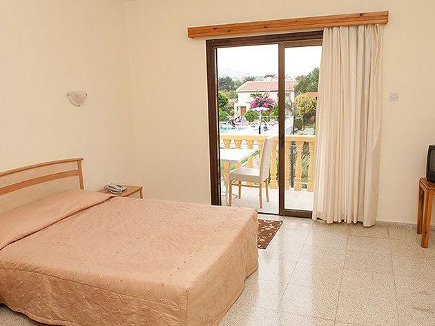 Indulás: 2015. július 03. / Észak-Ciprus, Holiday Club Simena Hotel*** 8 nap/7 éj szállás 2 fő részére reggelis ellátással, repjeggyel + illetékekkel