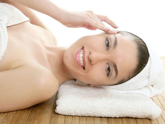 Arc-, nyak-, dekoltázs tisztító kezelés + ultrahangos hatóanyagbevitel - bőröd felfrissüléséért / V. kerület