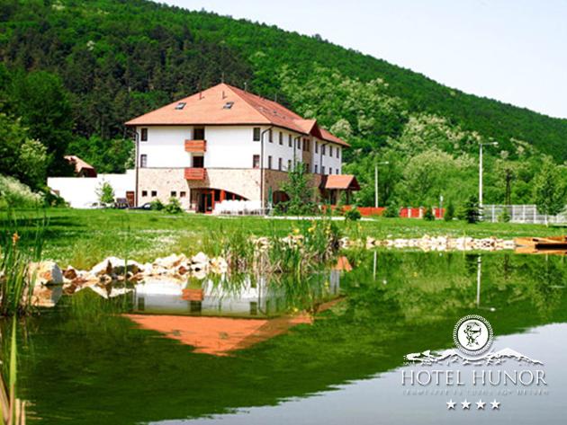 Pihenj főszezonban a Hotel Hunorban Sátoraljaújhelyen - 3nap/2 éj 2 fő részére / wellness, félpanzió + extrák