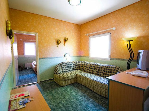 Piknik Wellness Hotel*** - 5 nap 4 éj, családi szoba 2+2 fő részére: reggeli + wellness