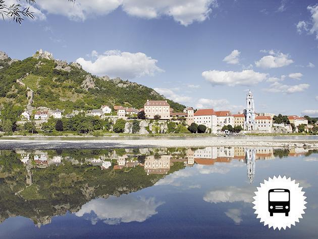 Ausztria, Wachau szépségei hajóról, Schallaburg vára és Sankt Pölten - buszos utazás szeptemberben / fő