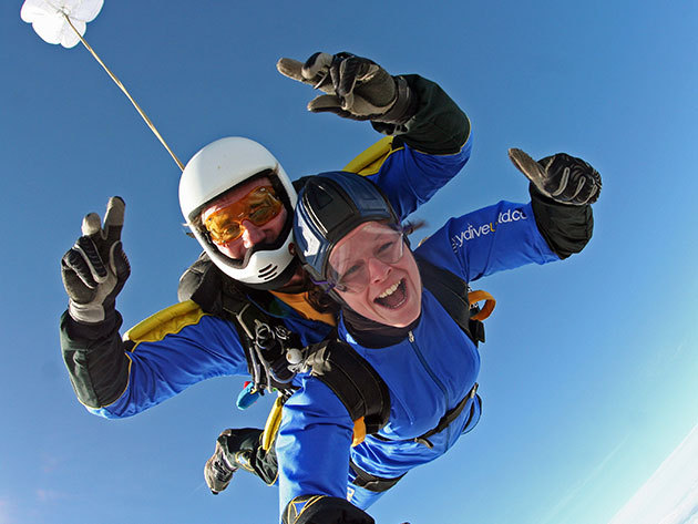 Tandemugrás 4000 méterről - felvétel kézi kamerával