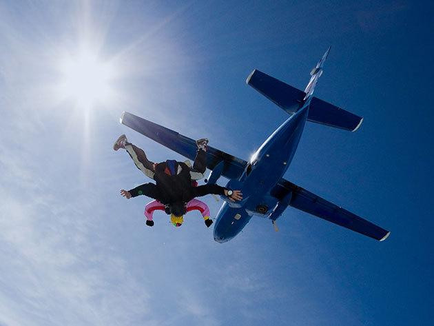 Tandemugrás 4000 méter magasból, profi csapattal (Tandem Team) - kihagyhatatlan élmény 'adrenalinfüggőknek'