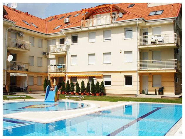Hajdúszoboszló / Panoráma Wellness Apartman Hotel - 8 nap / 7 éj szállás 2 fő részére, teljes ellátással és extrákkal