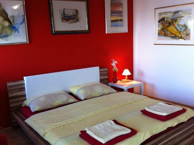 2 éjszaka 2-4 főnek önellátással Opric-ban, Opatija mellett, a Kestenovi Dvori apartmanházban