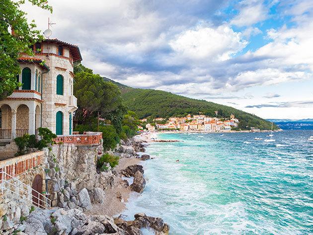 Üdülj Horvátországban, egy csodás tengerparti kisvárosban! 2 vagy 3 éjszaka szállás 2-4 fő részére, Opatija mellett, a Kestenovi Dvori apartmanházban