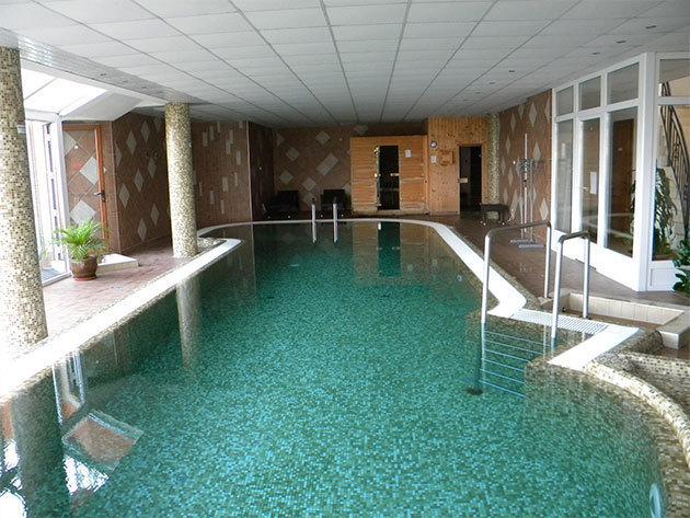 3 nap 2 éjszaka 2 fő részére félpanzióval a hévizi Főnix Club Hotel***-ben