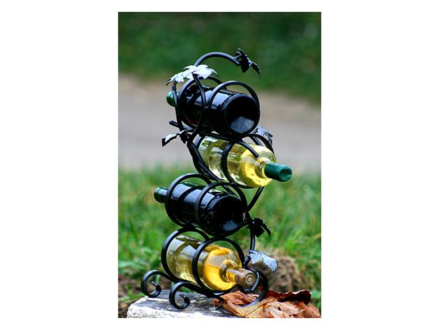 Kovácsoltvas bortartó, szőlőleveles dekorációval (4 palack számára)