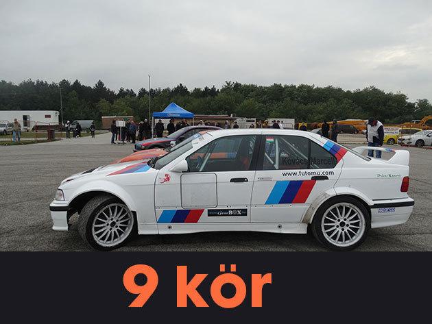 """9 kör vezetés + 1 kör élményautózás (profi sofőrrel) egy BMW E36 """"F"""" csoportos rally versenyautóval a Kakucs-Ringen"""