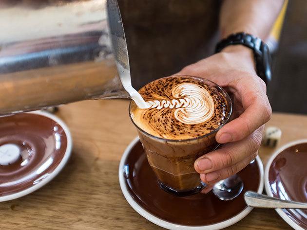 Kávékedvelők figyelem! 3 órás, 3 részes program: kávékülönlegességek kóstolása, pörkölési módok megismerése, ízteszt és kávékészítés. Ajándékozz élményt!
