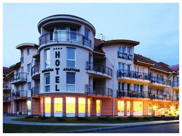 HAJDÚSZOBOSZLÓ - 7 nap / 6 éjszaka szállás teljes ellátással és fürdőzéssel 2 fő részére, a Panoráma Wellness Apartman Hotelben****