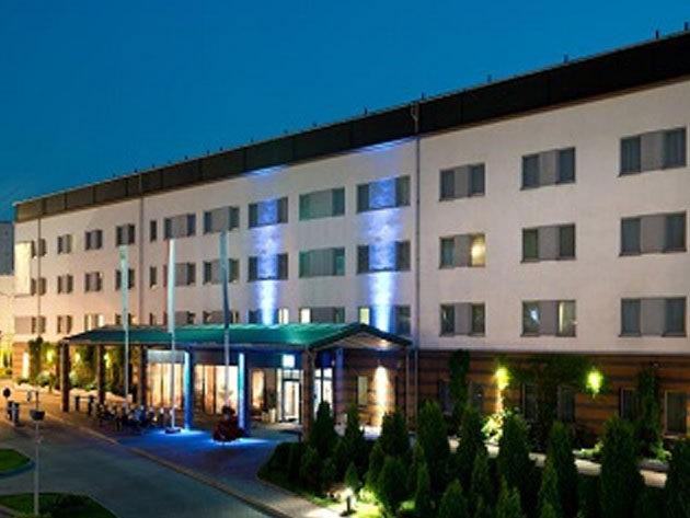 Négycsillagos pihenés és városnézés Krakkóban<br> 3 nap/2 éj 2 főre (+2 gyermek) reggelivel a Hotel Efekt Expressben