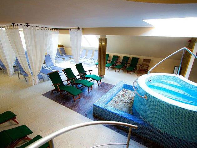 SIÓFOK Piknik Wellness Hotel*** 4 nap / 3 éj szállás teljes ellátással és welnesszel 1 főnek (teraszos 2+1 fős vagy családi 2+2 fős szoba)