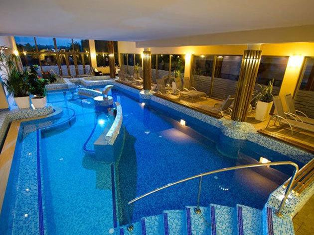 SIÓFOK Piknik Wellness Hotel*** 3 nap / 2 éj szállás teljes ellátással és welnesszel 1 főnek (teraszos 2+1 fős vagy családi 2+2 fős szoba)