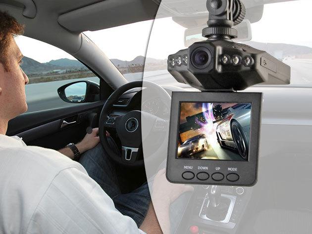 """Autós eseményrögzítő fedélzeti kamera - videó, fotó és éjjellátó funkció, 2.5"""" színes TFT LCD monitor, nagy látószög"""