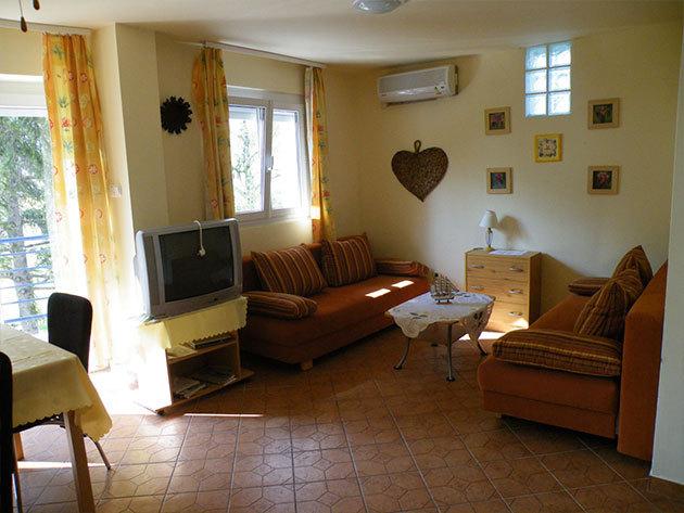 Balaton Apartmanház, Szántód / szállás 2+2 fős igényesen berendezett apartmanban 2 éjszakára