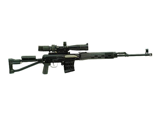 Dragunov típusú fegyverrel egy tár ellövése