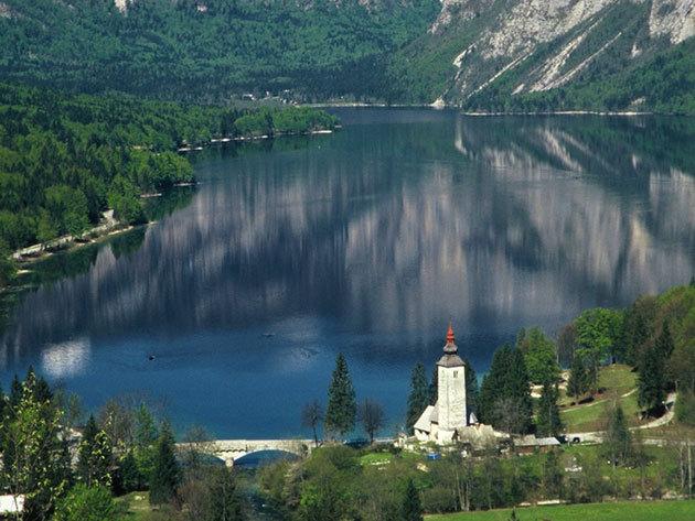 """2019. augusztus 03-04. BLED –BOHINJ Kikapcsolódás Európa """"Zöld szívében"""", a Bledi-tóra panorámás reggelivel és vacsorával (2 nap 1 éj busszal)"""