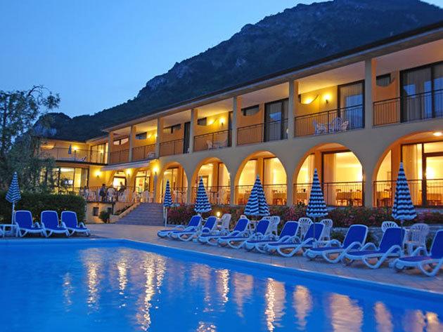 2016.04.23-05.04-ig / Olaszország - nyaralás a Garda tónál! 3 nap / 2 éj szállás 2 fő részére, reggelivel / Hotel Mercedes