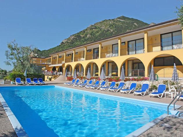 2016.05.05-07.15-ig / Olaszország - nyaralás a Garda tónál! 3 nap / 2 éj szállás 2 fő részére, reggelivel / Hotel Mercedes