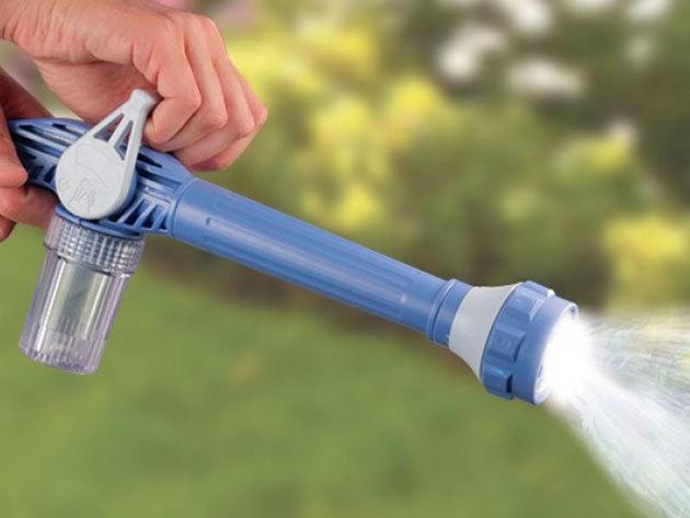 Nagynyomású locsolópisztoly 8 pozícióba állítható fejjel, csatlakoztatható mosószertartállyal, segítségével egy egyszerű slagot is átalakíthatsz szuper szabadtéri takarító eszközzé