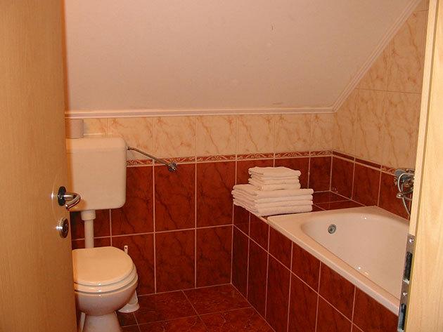 Szállás a kehidakustányi gyógyfürdő közelében: 6 fő / 1 éjszaka / Goldwert Apartmanok - 2 generációs apartmanház