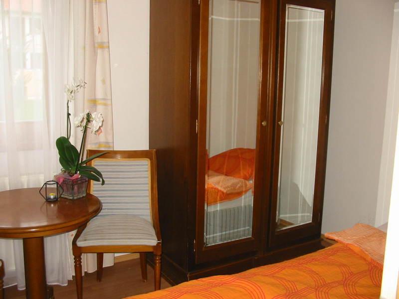 Szállás a kehidakustányi gyógyfürdő közelében: 6 fő / 7 éjszaka / Goldwert Apartmanok - 2 generációs apartmanház