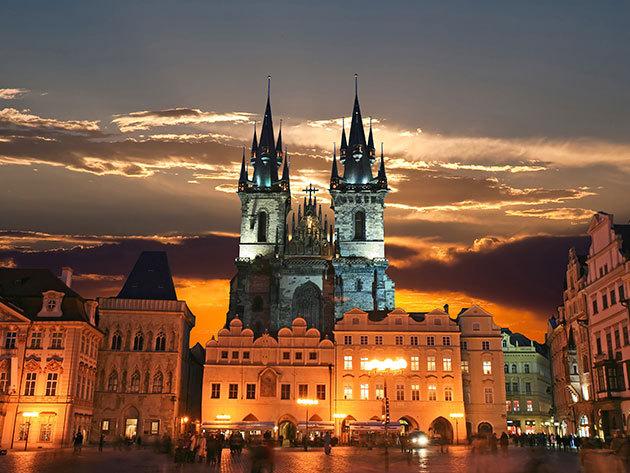 Prága, nyári kalandok - 3 nap / 2 éjszaka szállás 2 fő részére reggelivel, hajókirándulással / Barcelo Praha****