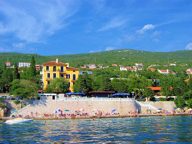 Horvátországi nyaralás - Dramalj / 3 vagy 7 éjszaka szállás 2 fő részére félpanziós ellátással, akár ajándék hajókirándulással / HOTEL RIVIERA (PAVILONS)**