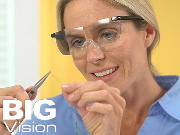 Nagyító szemüveg (Big Vision) 160%-os nagyítás torzítás nélkül, mely megkönnyíti a mindennapi feladatokat (olvasáshoz, varráshoz, szereléshez, stb.)