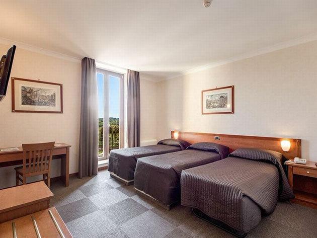 Ajánlat 2: Róma - Romoli Hotel*** 4 nap 3 éjszaka 2 fő részére reggelivel