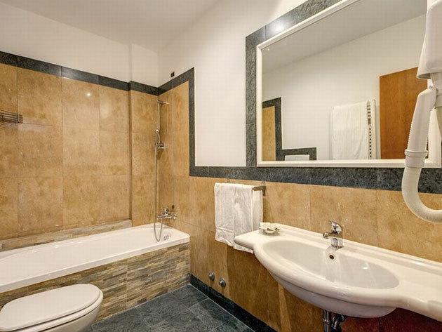 Ajánlat 3: Róma - Romoli Hotel*** 4 nap 3 éjszaka 2 fő részére reggelivel