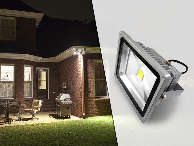 LED reflektor - 10, 20 vagy 50W teljesítménnyel, épületek, kertek megvilágítására, 1 év garanciával