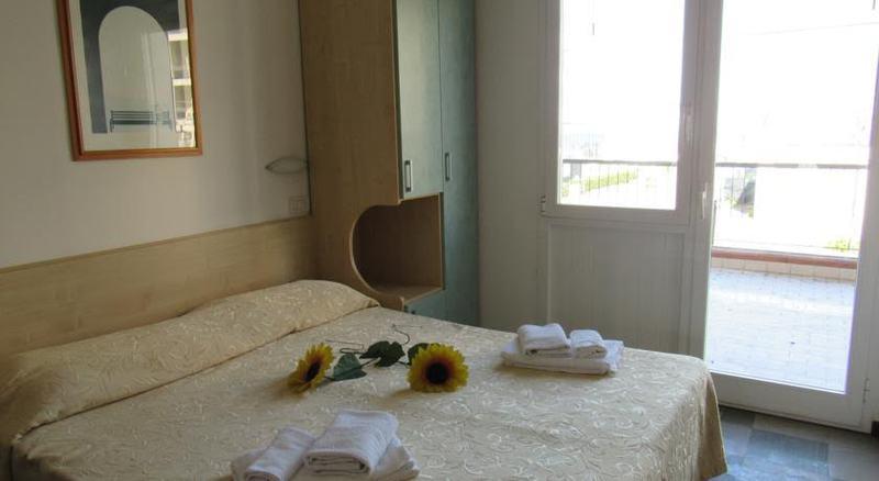 8 nap 7 éjszaka szállás 2 fő részére félpanziós ellátással (reggeli-vacsora) a Hotel Venus*** Riminiben