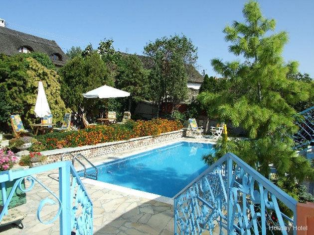 Holiday Hotel Tihany*** 3 nap / 2 éj szállás október 15-ig 2 fő részére (+ gyermeknek 8 éves korig ingyenes), félpanziós ellátással