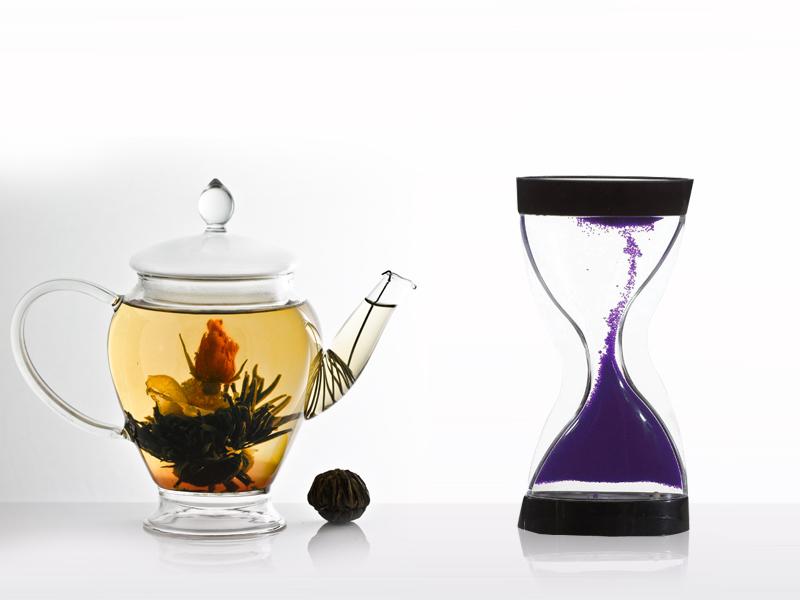 Antigravitációs homokóra + virágzó tea