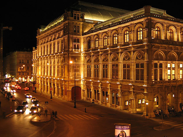 Operaház - A Ring Ékköve / Advent Bécsben buszos utazással (december 3. szombat)