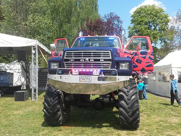 Ford F600 Monster Truck élmény - 3 körös vezetés