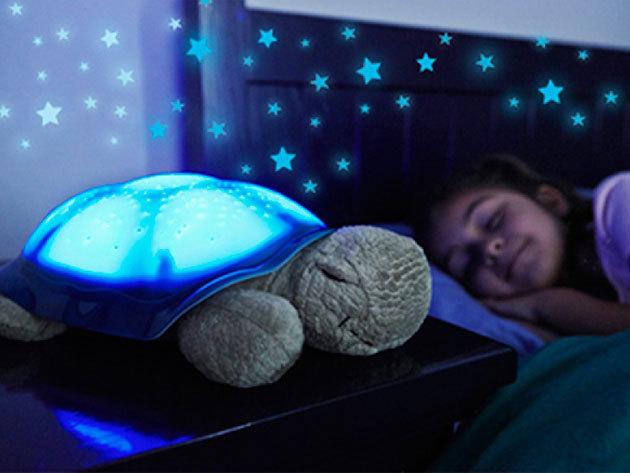Csillagokat kivetítő plüssteknős – különleges éjszakai fény a gyerekszobába, a nyugodt álomért!