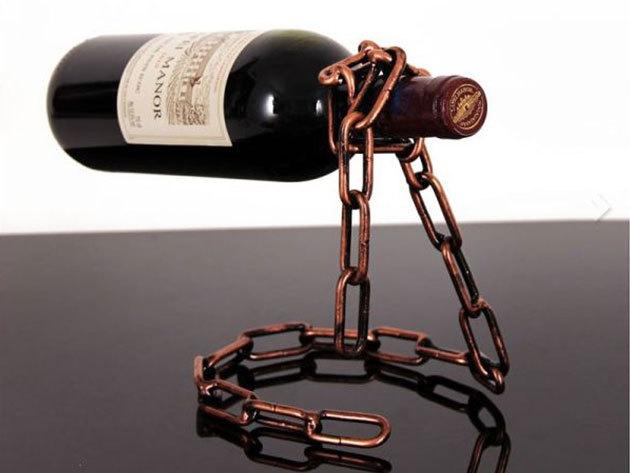 Lebegő bortartó - rozsdás lánc