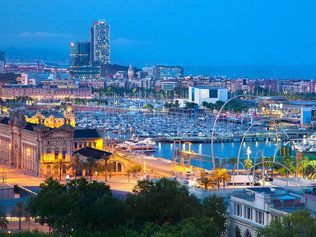Barcelona télen vagy tavasszal - 3 vagy 4 nap szállás a három csillagos Hotel Madanis Apartmanban, reggelivel, 2-4 fő részére