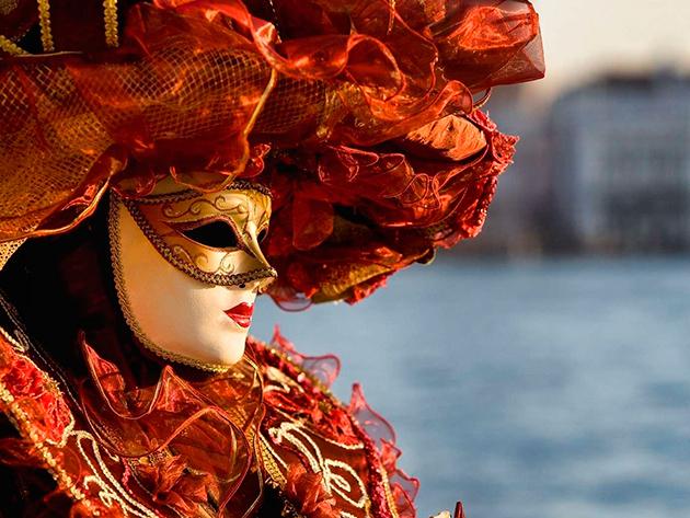 Velencei karnevál autóbusszal, 2 éjszaka szállás, félpanzió, idegenvezetés (Miramare kastély és a Postojnai cseppkőbarlang) / fő 2017. február 24-26.