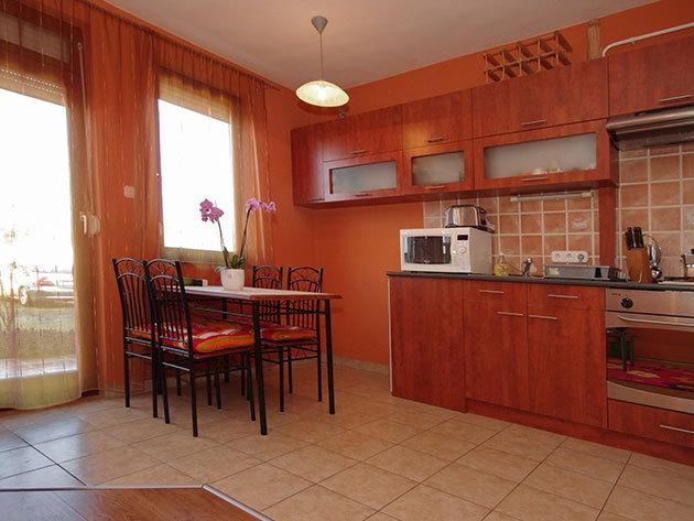 Kényeztető wellness Gyulán a Hellasz apartmanban! 3nap/2 éj 2 főnek, kedvezményes fürdőbelépővel és egyéb extrákkal!