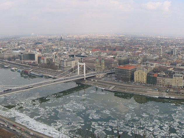 Panorámarepülés Budapest fölött a Télapóval (15 perc) - 1 fő részére