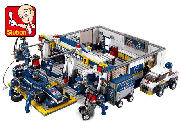 Sluban Boy's építőjátékok, melyek Lego kompatibilisek - Formula 1 versenyautók, boxutca garázs, kamion, reptér és repülőgép... ideális ajándék fiúknak